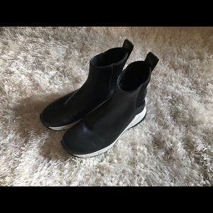Nike Rivah Waterproof Wedge Boots. Size 7.